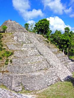 Guatemala-1300_-_Yaxhá_(2214420300)