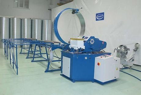 Máquina de fabrico de tubo spiro por cabeçotes rígidos Sente
