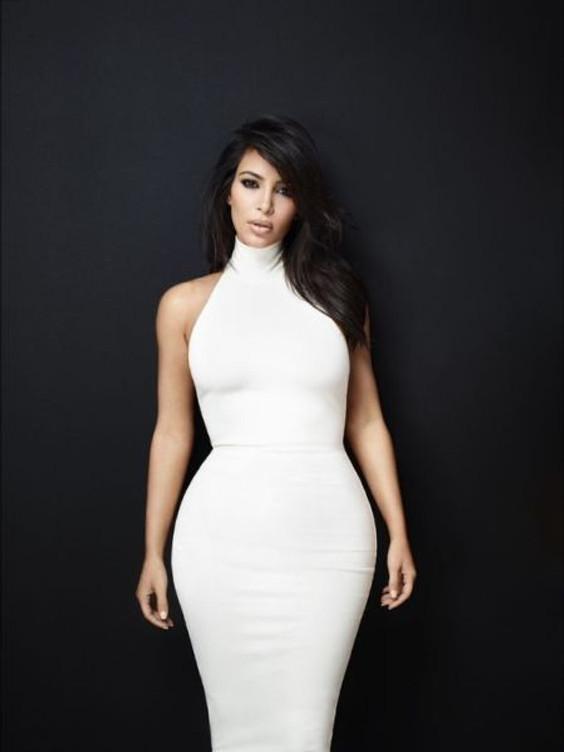 Kim Kardashian tipo físico pera