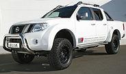 2014-09-12 Nissan Navarra weis.jpg