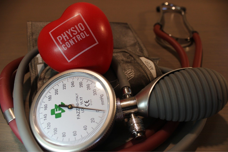 Strumento utilizzato per la misurazione manuale della pressione