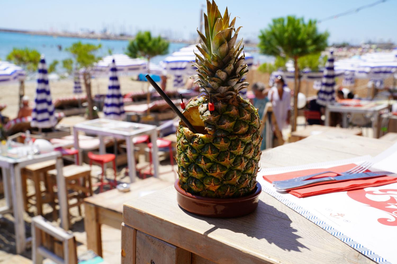 Beach-Club-Ananas_©SylvainCaillot