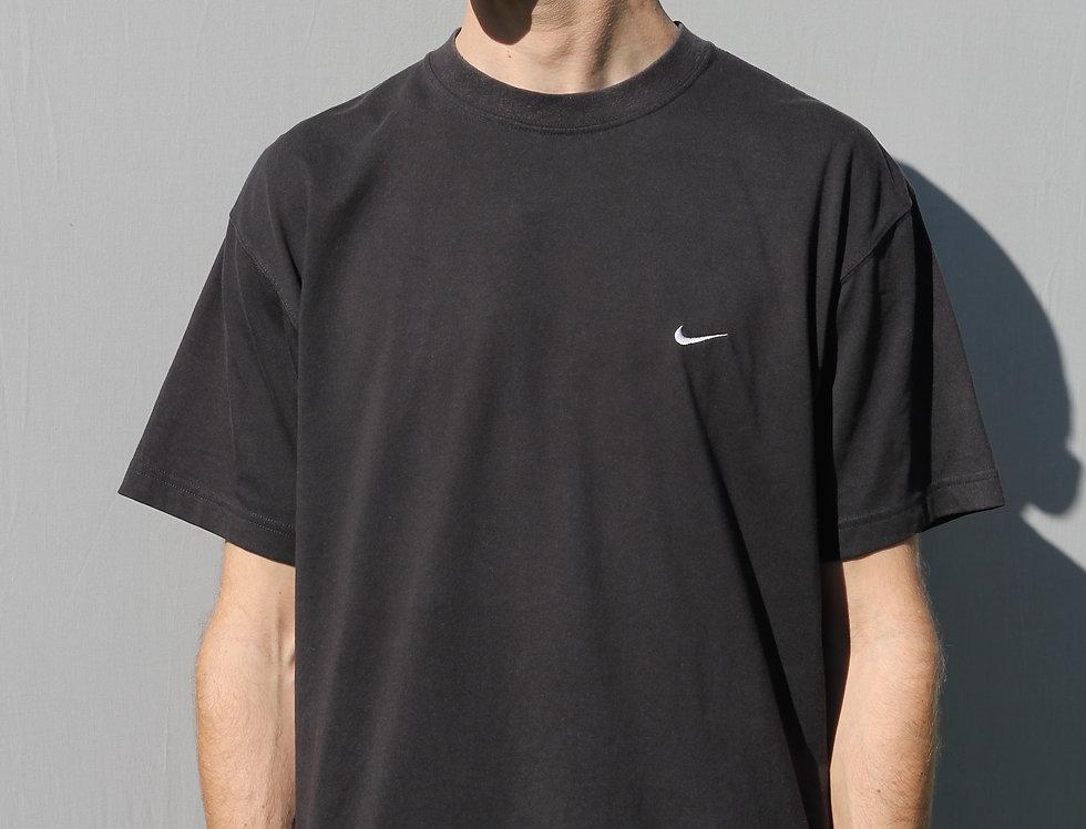 Black Nike T