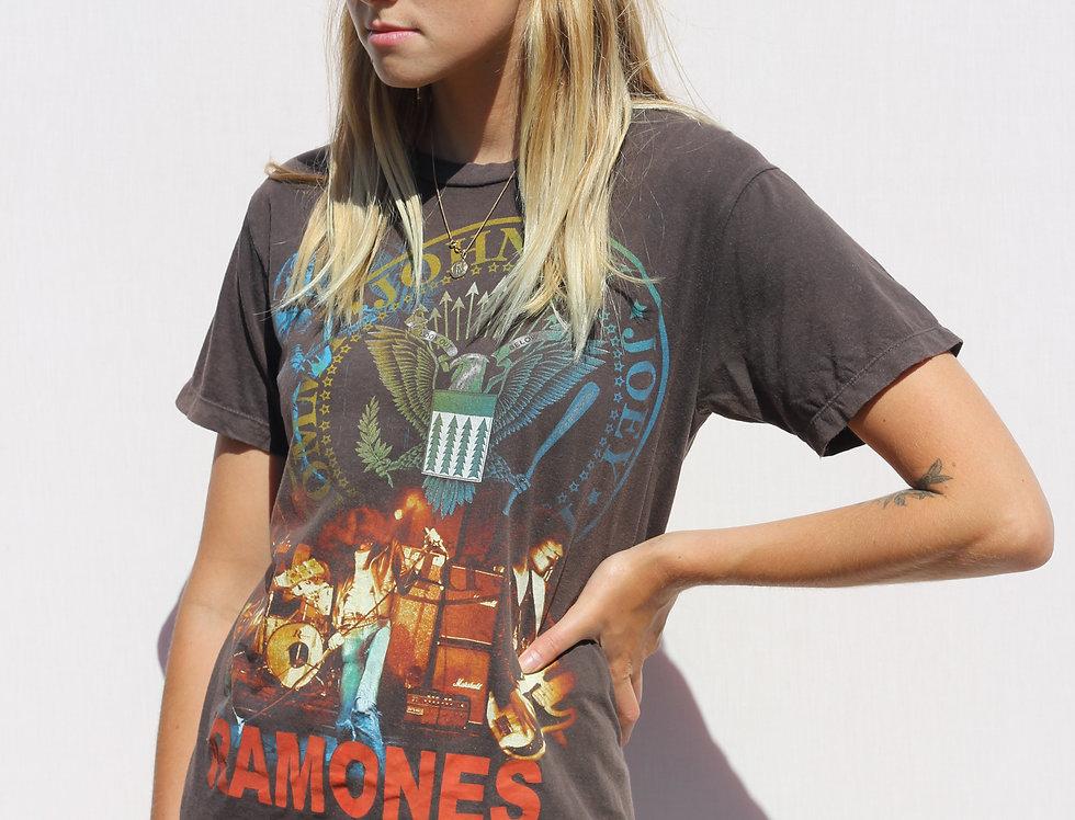 Ramones T