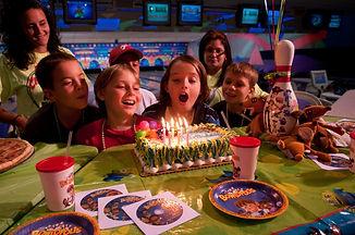 KidsBowlingParty2.jpg