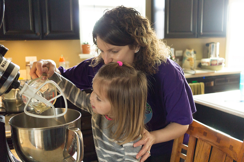 A Blue Sky Daycare makes Christmas cookes