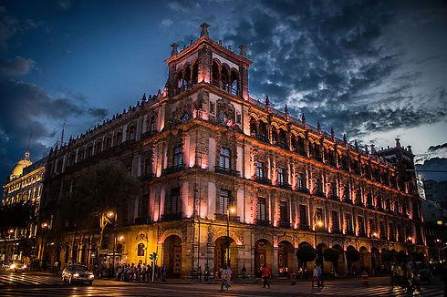 800px-Antiguo_Ayuntamiento_de_la_Ciudad_