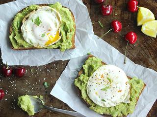 ავოკადოსა და კვერცხის ტოსტი
