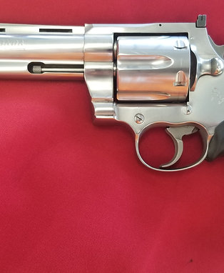 Pre Owned Colt Anaconda 6 Inch Revolver in 44 Magnum