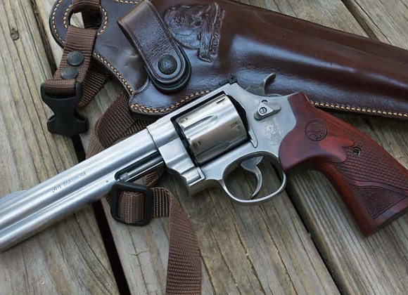 Smith and Wesson 629 Deluxe 6.5 Inch Barrel in 44 Magnum