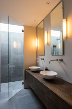 Gerenoveerde badkamer | Stone Company | Charlotte Kap Fotografie