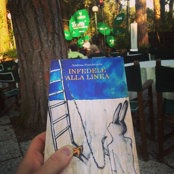 "Immagine di copertina di ""Infedele alla linea"" di Andrea Porcheddu"