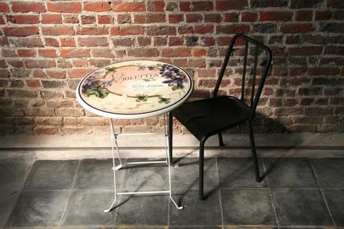 Table pliante violettes chaise retro desert tree intl for Table pliante