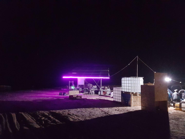 הגנרטור הסולארי בלילה