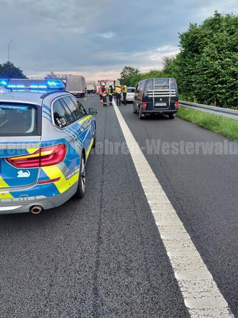 Verkehrsunfall mit eingeklemmter Person, A2 Rehren -> Lauenau