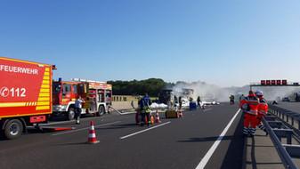 Feuer LKW, A2, Lauenau -> Rehren