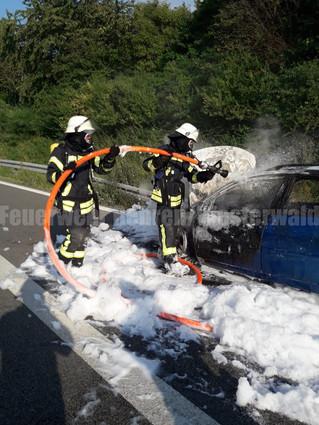Feuer PKW, A2, Rehren -> Lauenau