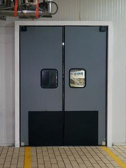 Puerta de impacto Elisaon HCG10 con placa impacto_1