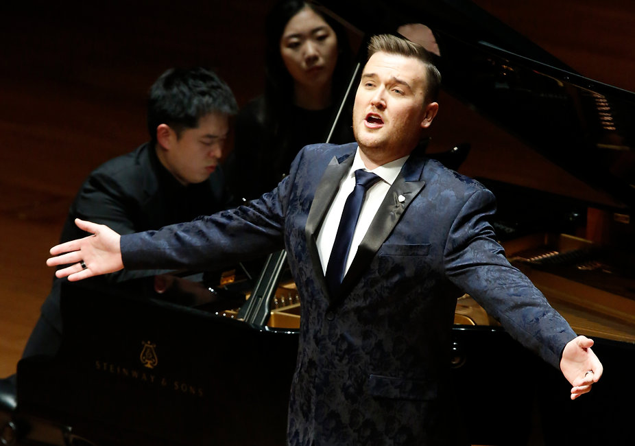 Recital at Alice Tully Hall with HoJae Lee (Photo Michael DiVito) copy 3.JPG