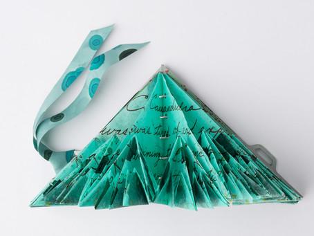 Cassandra: an artist book based on a fractal folding