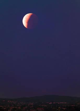 Partial Lunar Eclipse Over Bel Air CA 1/31/2018