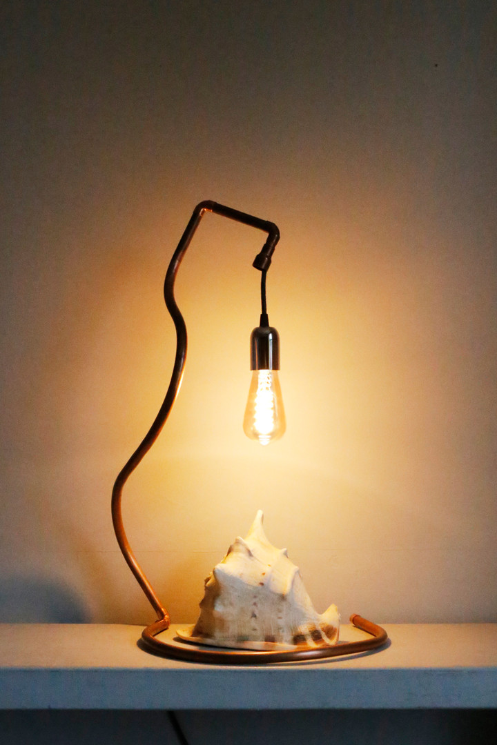 Narcissus table lamp