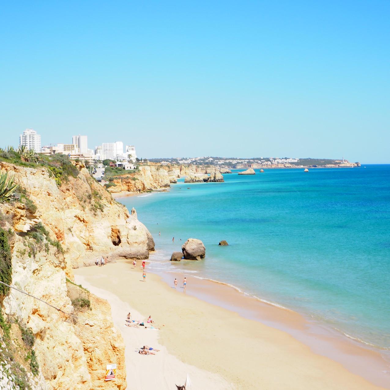 Praia do Barranco das Canas