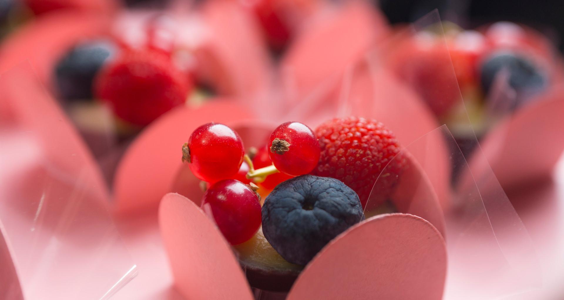 Caixinha de chocolate com frutas vermelhas