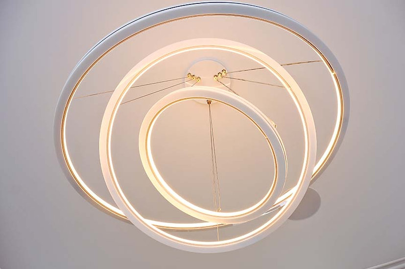 Triple Chandelier, Gloss White, dimmable