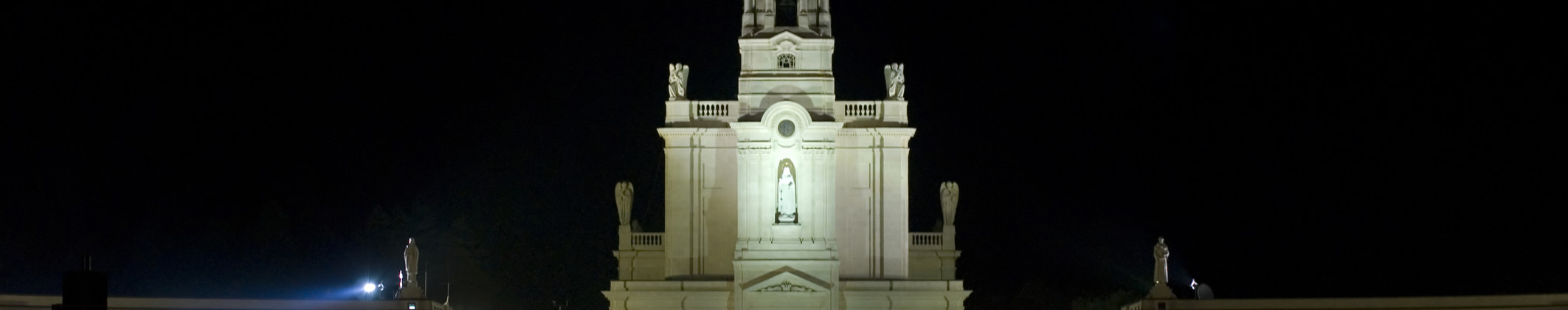 FATIMA, PORTUGAL - MAY 13.jpg