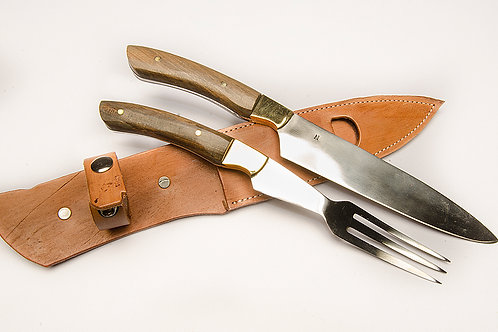 Big knife and fork set with wood handle. CUCH 42.
