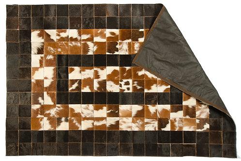 """Alfombrade Cuero de vaca  """"Salpicado marrón con blanco , centro negro""""ALF 01"""