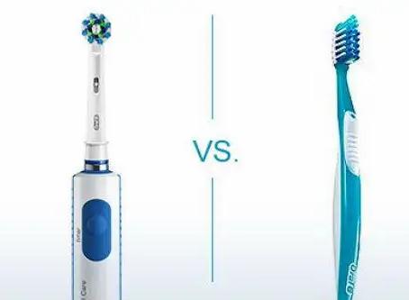 Come lavarsi correttamente i denti con lo spazzolino elettrico.