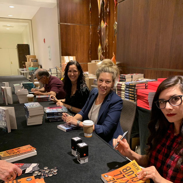 ThrillerFest Book signing with Wendy Heard and Kimberly Belle