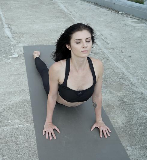 Yoga Posture_edited.png