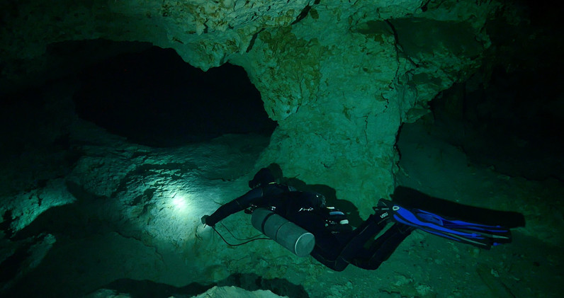 Cavern diving