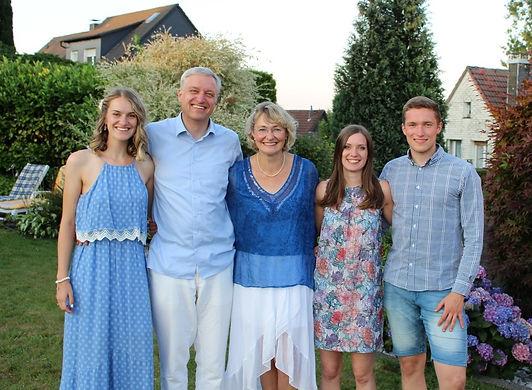 Familienfoto1.jpeg