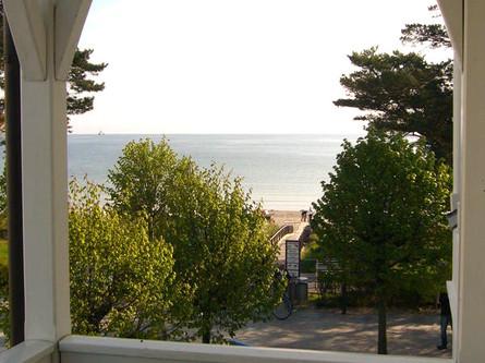 Der angrenzende Balkon mit Meerblick