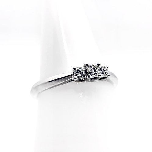 14k .25cttw Diamond Engagement Ring