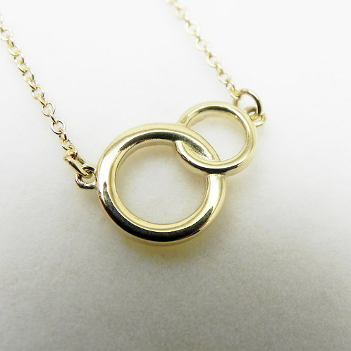 14k Petite Interlocking Circle Necklace