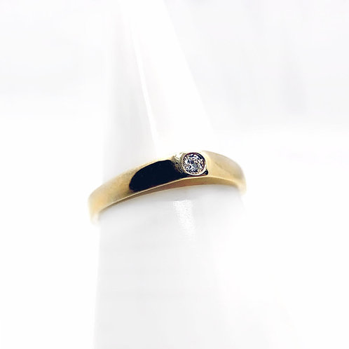 14k Simple Diamond Bezel Ring