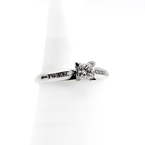 14k .33cttw Diamond Engagement Ring