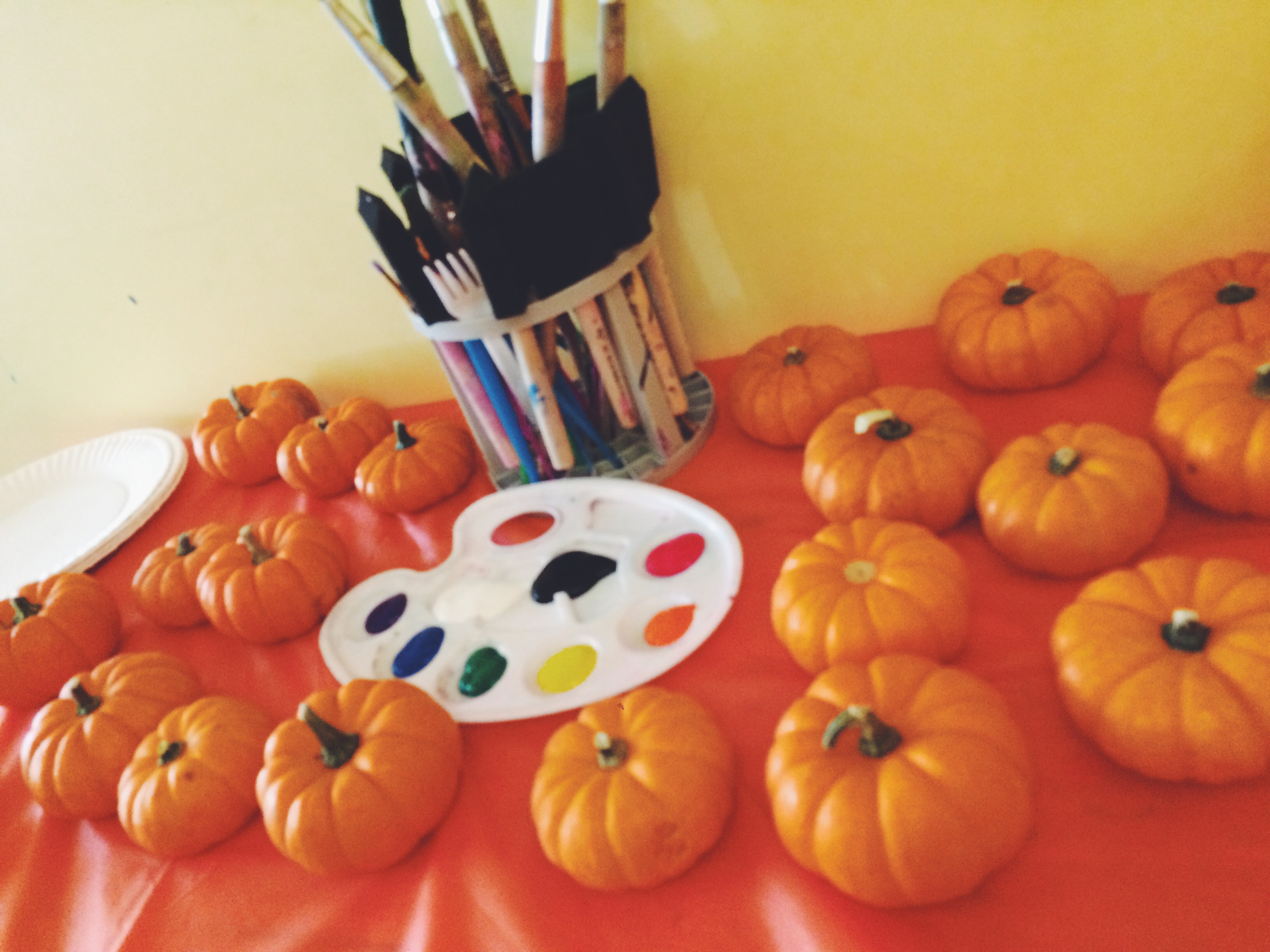 1 CHICKPEA Halloween Party Pumpkin Painting