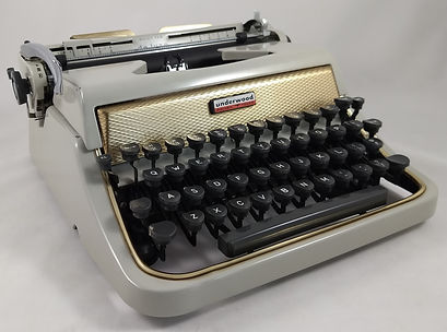 Underwood DeLuxe Golden Touch
