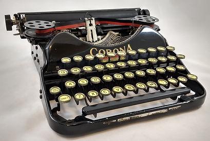 Corona 4 (Black)