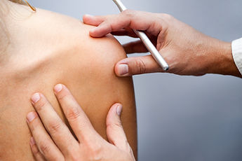 טיפול בכתף קפואה - עיסוי רפואי לכתף קפואה