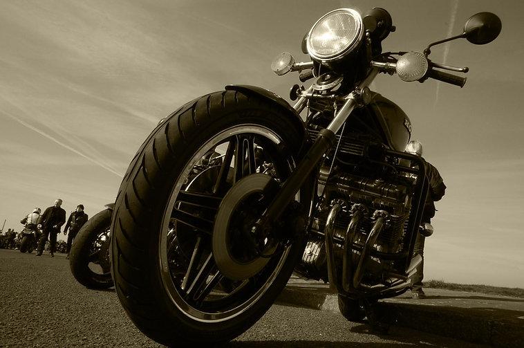 motorcycle-817561_960_720.jpg