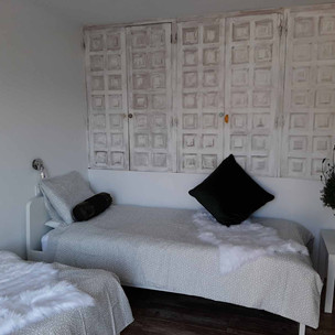bedroom2_lg.jpg