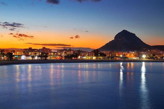 Strand-Arenal-@-night.jpg