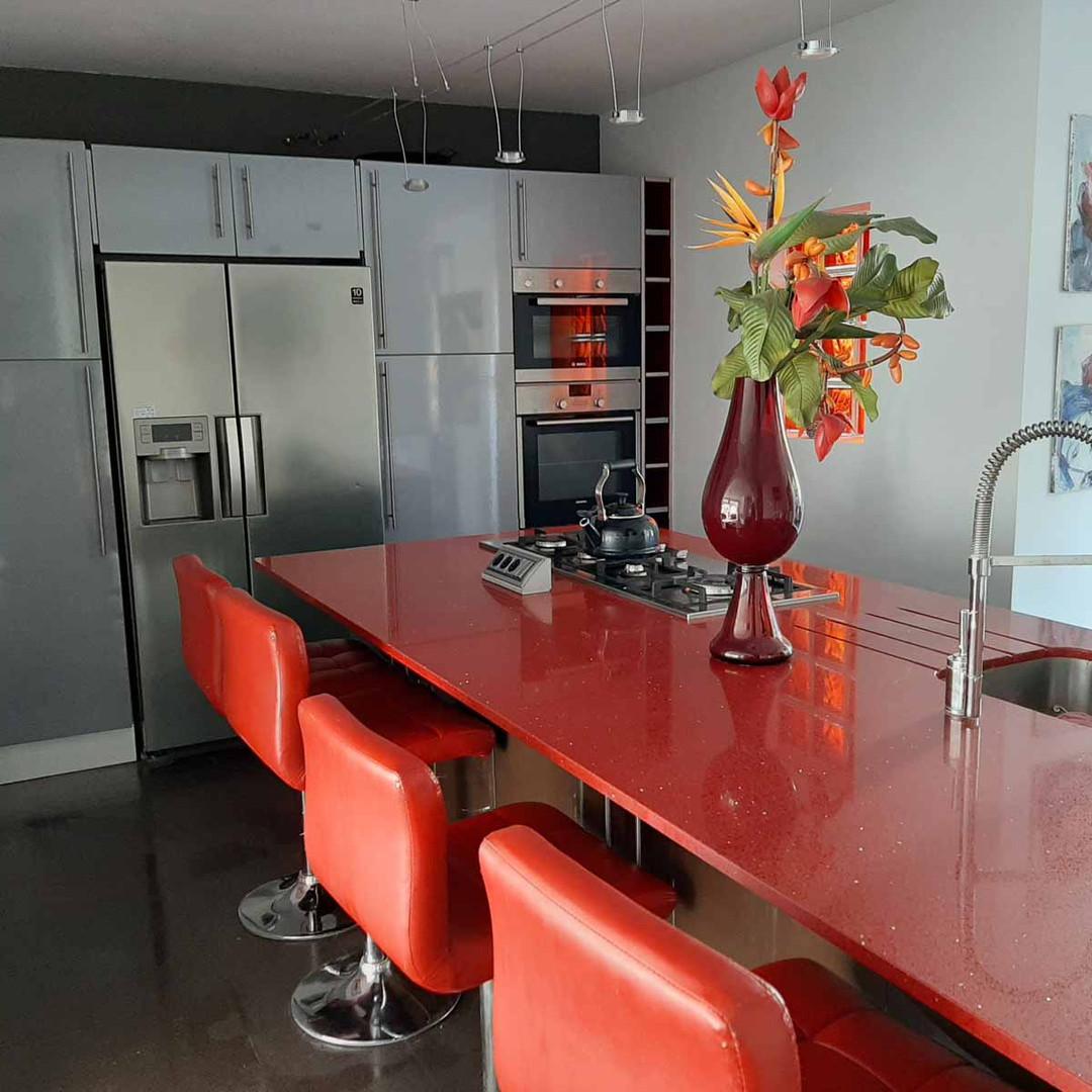 kitchen1_lg.jpg